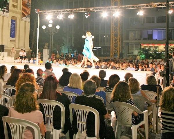 80463405c41c Κοζάνη  Επίδειξη μόδας στην κεντρική πλατεία - TourismToday