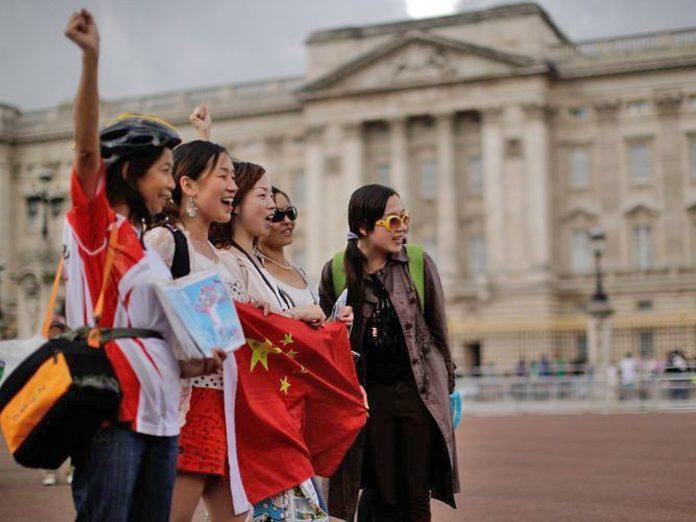 Οι Κινέζοι επιβάτες τους ισχυρίζονται ότι δεν καταλαβαίνουν αγγλικά και.